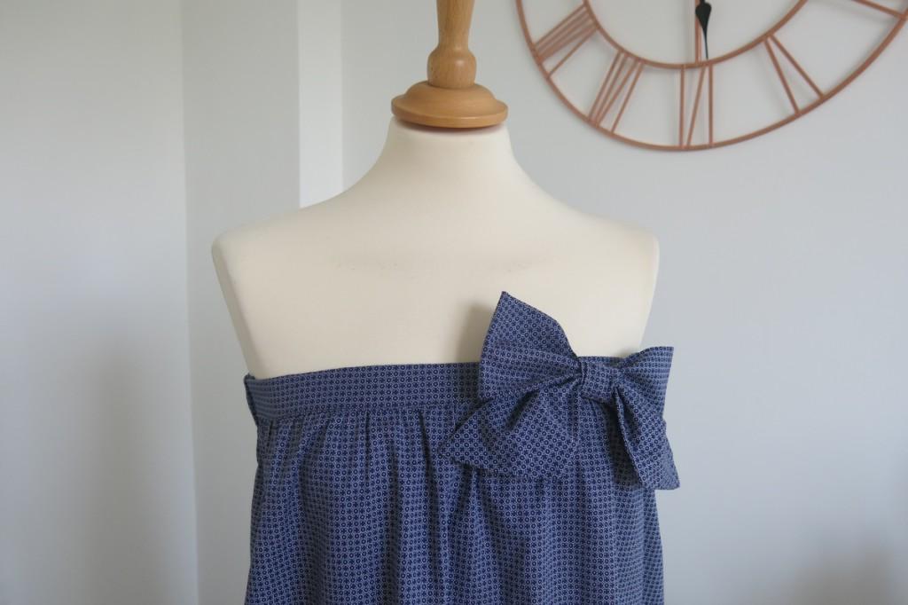 robe-iknaai-petit-noeud-bleue-detail