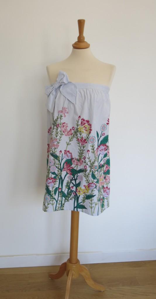 robe-iknaai-petit-noeud-fleurs